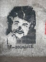 Grillo stencil  Stencil by Hogre.  Sul ponte Circonvallazione Casilina, angolo via del Pigneto. Roma. Photo CC Smeerch